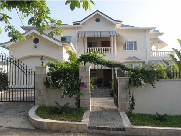Guest House - 1 BR Private Suites - Ocho Rios
