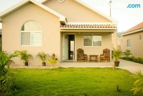 Caymanas Estate Aj Guest House