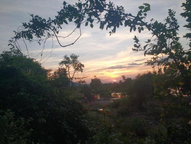 The Last Resort Khong