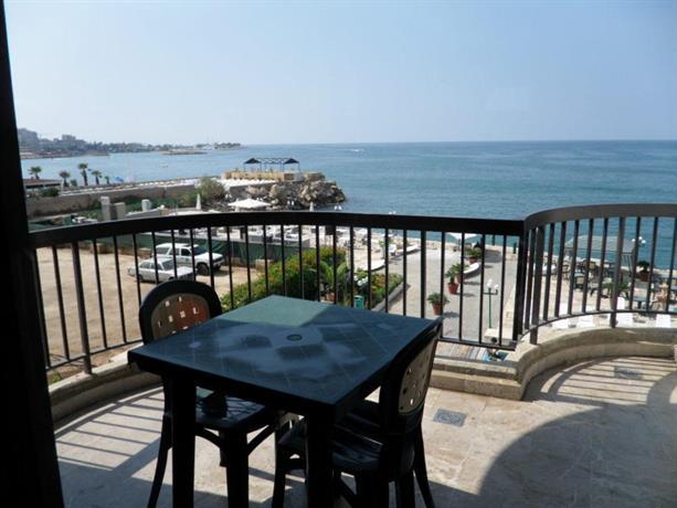 Holiday Suites Hotel & Beach Resort