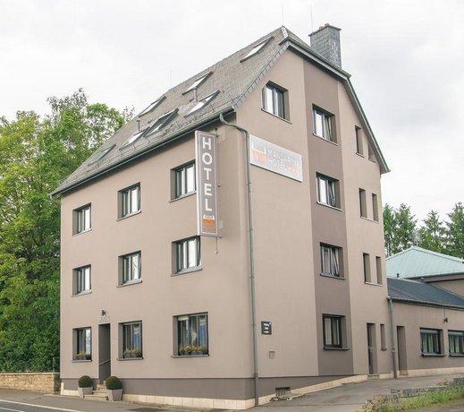 Mandarina Hotel Strassen