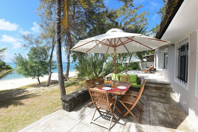 Veloutier Blanc Beachfront by StayMauritius