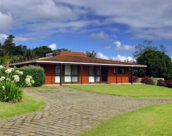 DiiElduu House and Cottage