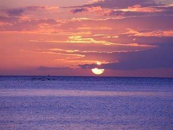 Redonda Bay Resort