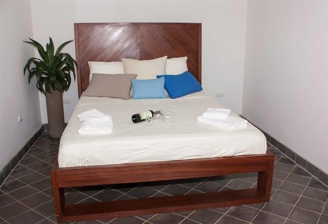 Hotel Azul Leon