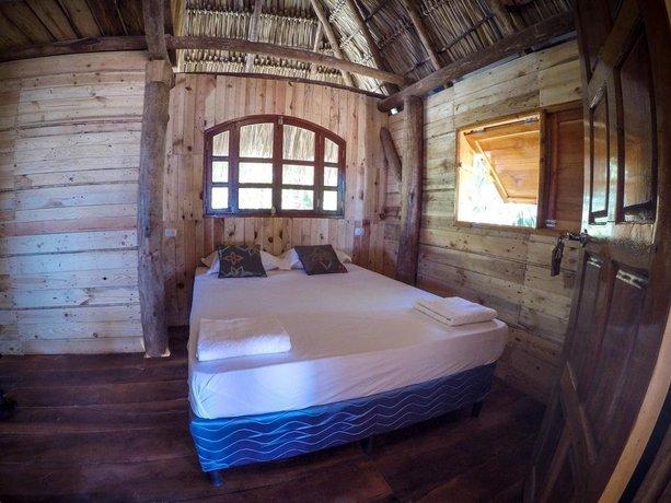 Simple Beach Lodge