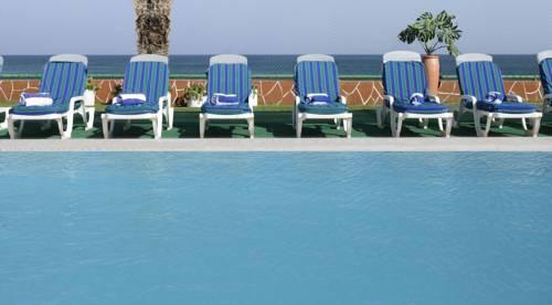 Resort Sur Beach Holiday