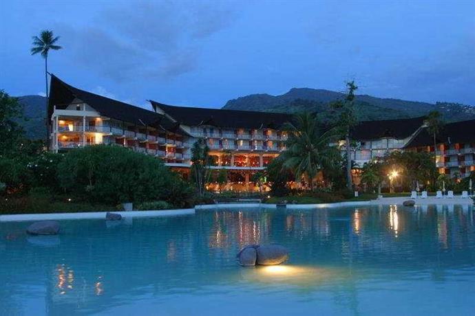 Tahiti Ia Ora Beach Resort - Managed by Sofitel Hotel