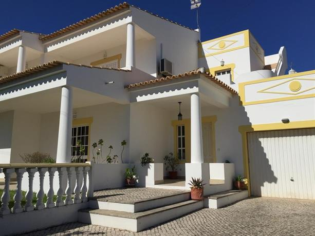 Villa Roja Pe