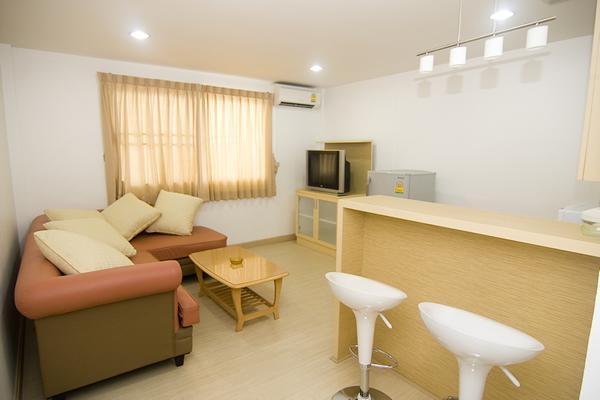 Bua House Serviced Apartment