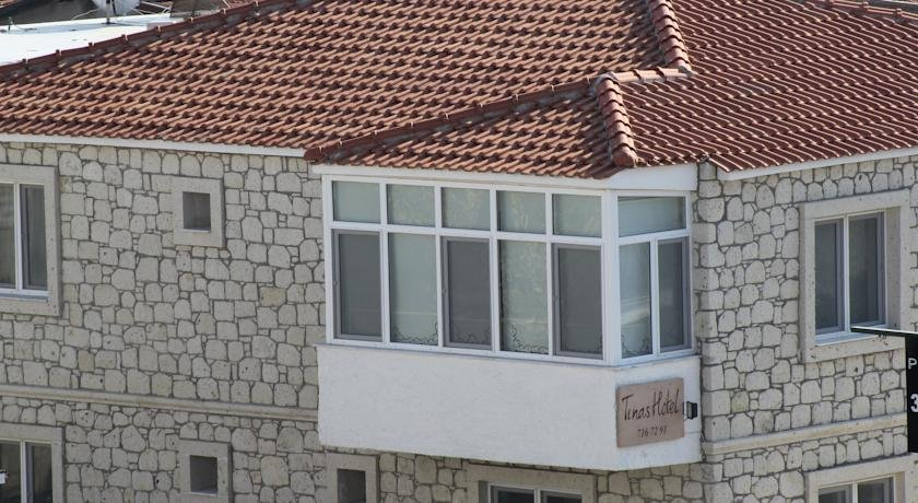 Tinas Hotel