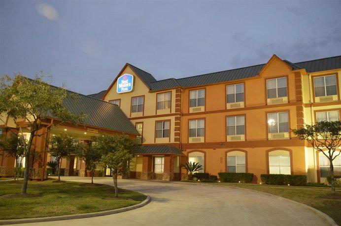 Best Western PLUS Hobby Airport Inn and Suites