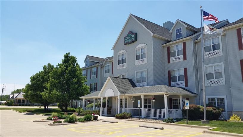 Country Inn & Suites by Radisson Bloomington-Normal West IL