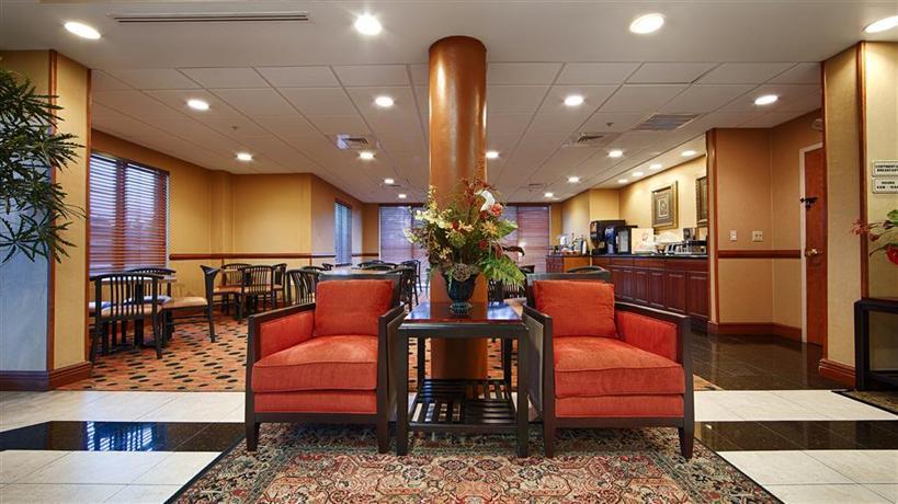 Days Inn & Suites by Wyndham Fort Pierce I 95