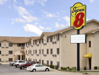 Super 8 by Wyndham Bridgeton/Arpt/St Louis Area