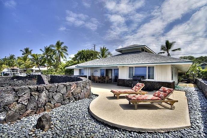 Ocean Front Single Family Home for 8