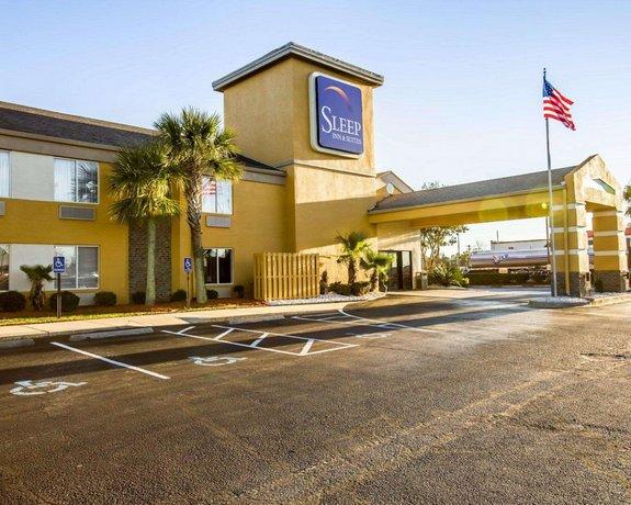 Sleep Inn & Suites near Outlets