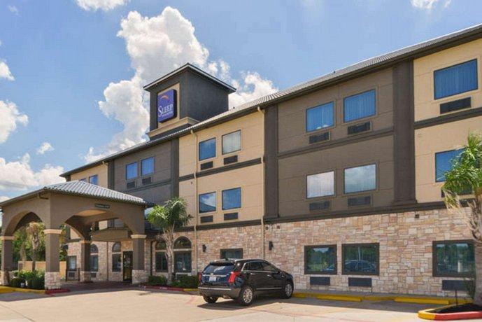 Sleep Inn & Suites Near Downtown North