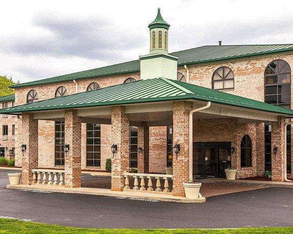 Quality Inn & Suites Forest Park Cincinnati