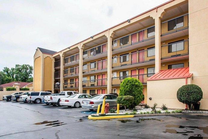 Econo Lodge Inn & Suites Memphis