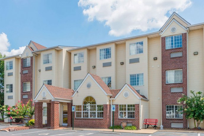 Microtel Inn & Suites by Wyndham Cordova Memphis By Wolfchas