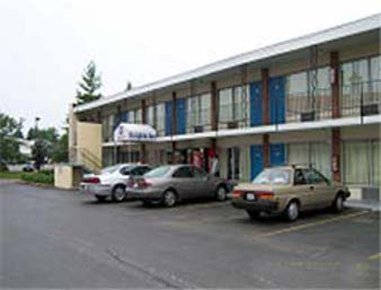 Star City Inn and Suites
