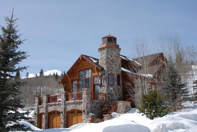 Lighthouse by Summit Mountain Properties