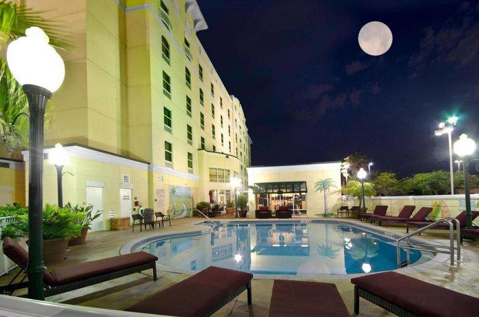 Hampton Inn & Suites Jacksonville Deerwood Park