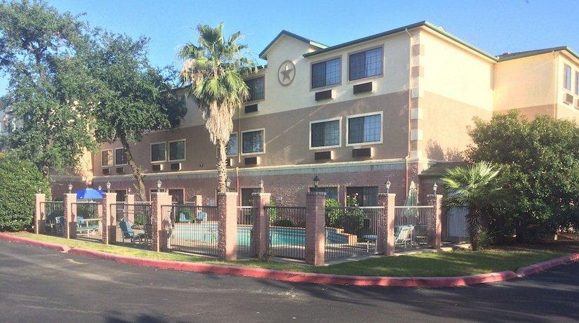 Days Inn by Wyndham Suites San Antonio North Stone Oak