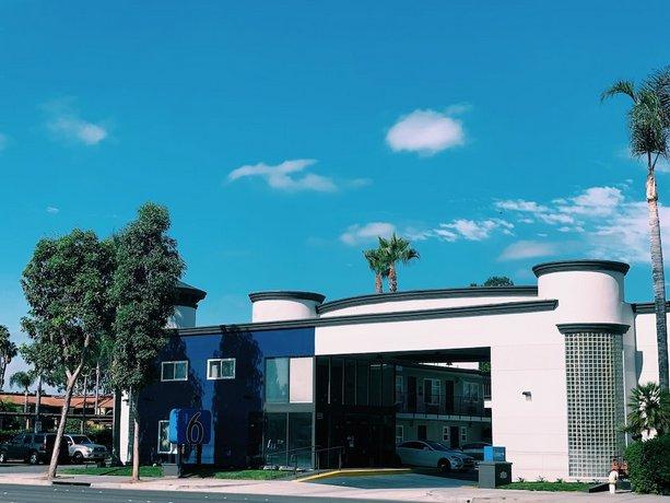 Rodeway Inn & Suites Anaheim by the Convention Center