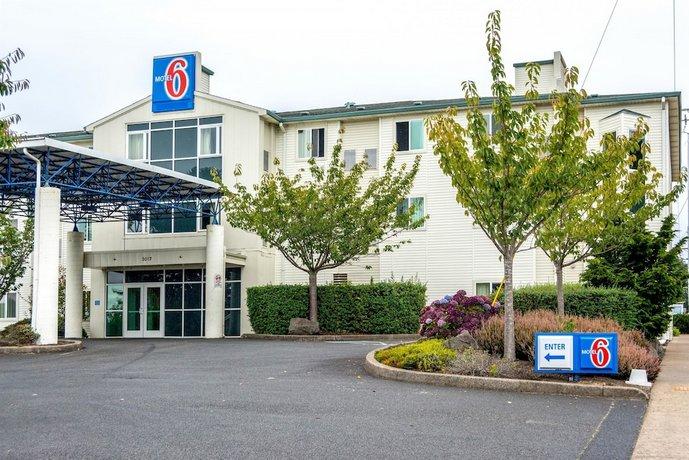 Motel 6 Lincoln City