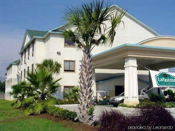 Days Inn & Suites by Wyndham Houston North Aldine