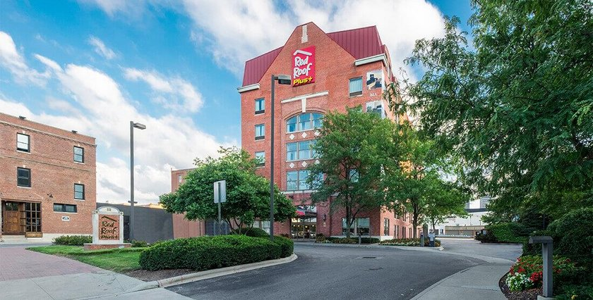 Red Roof Inn PLUS+ Columbus Downtown Convention Center