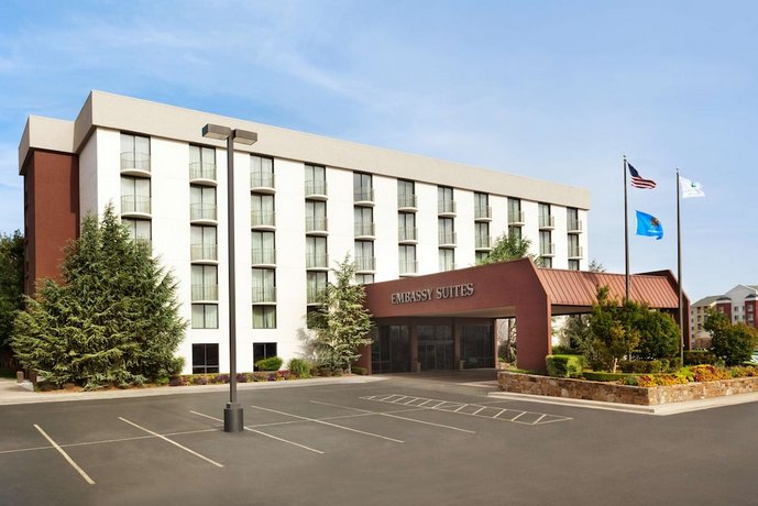 Embassy Suites Oklahoma City Will Rogers World Airport