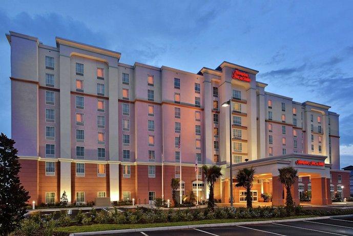 Hampton Inn & Suites Orlando Airport at Gateway Village
