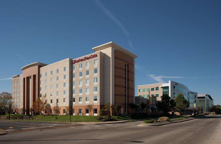 Hampton Inn & Suites St Louis at Forest Park