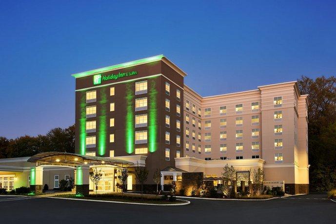 Holiday Inn & Suites Philadelphia W - Drexel Hill